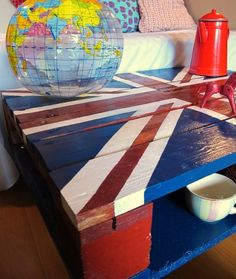 """Old Pallets - Doobie has customized many pallets. This """"Union Jack"""" coffee table made from an upcycled wooden pallet was ordered by a … Pallet Crates, Old Pallets, Wooden Pallets, Pallet Tables, Arte Pallet, Pallet Art, Diy Pallet, Diy House Projects, Pallet Projects"""