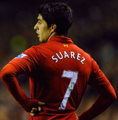 Luis Suarez claims he will have no problem if he is asked to shift positions to accommodate Daniel Sturridge.