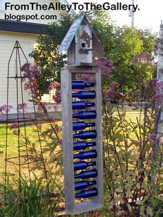 Blue Bottle, Bottle Art, Bottle Crafts, Bottle Garden, Glass Garden, Wine Bottle Trees, Wine Bottles, Unique Gardens, Garden Crafts