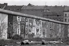 The Berlin Wall at Waldemarstrasse in June 1986.