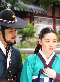Dae Jang Geum (aka: Jewel in the Palace) Dae Jang Geum, Parallel Lives, Dong Yi, Lee Young, Korean Dress, Romantic Moments, 2 Movie, Korean Star, Paros