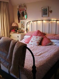 cosy bedroom. This frame is nice and thin, guest room?
