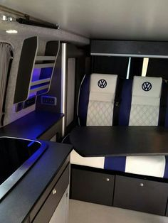 I love the blue and white! T5 interior / vw transporter
