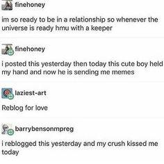 """Sending me memes"" that's love Tumblr Stuff, My Tumblr, Tumblr Posts, Tumblr Funny, Funny Memes, Hilarious, Funny Laugh, Dankest Memes, Thing 1"