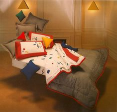 Ha! This was my bedding in college!!! 22 Reasons Why Design Was More Awesome In The '80s