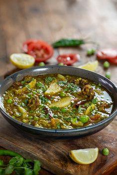 Matar ka Nimona - Green Peas Curry - My Tasty Curry Veg Recipes, Curry Recipes, Vegetarian Recipes, Cooking Recipes, Healthy Recipes, Easy Cooking, Veg Curry, Vegetable Curry, Veg Dishes