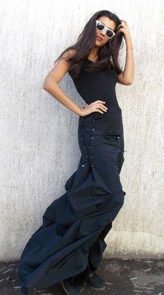 Avant Garde Extravagant Skirt / Maxi Taffeta Skirt by Teyxo