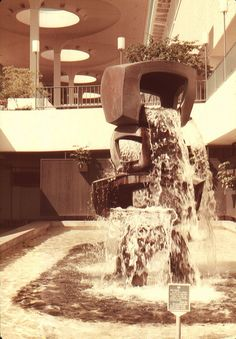 Taken on an early vacation to Honolulu, Hawaii. It's the Ala Moana shopping mall fountain — an absolute dream. Ala Moana, Interesting Buildings, Vintage Hawaii, Shopping Malls, Oahu Hawaii, Maui, Island Resort, Interior And Exterior, Interior Paint