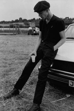 Paul Simonon - The Clash 1980. OMG!!!!!!!!!!!!!!!!!!!!! He was sooo fwwiiiine!!!