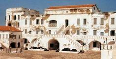 Tour Ghana: Cape Coast Castle - Cape Coast Castle, Inner Courtyard, Ghana (slaves were kept here before going to the New World)