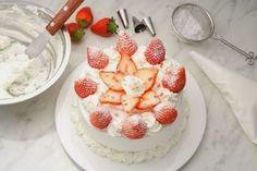 Recetas de Cocina faciles.: Pastel de fresas con crema batida facil