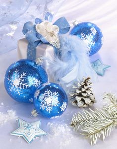 Merry Christmas And Happy New Year, Blue Christmas, Christmas Balls, Christmas Colors, Christmas Decorations To Make, Family Christmas, Beautiful Christmas, Christmas Time, Christmas Gifts