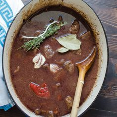 Julia Child's Boeuf Bourguignon is the standard by which all others are measured. Perfect with a good bottle of red wine! Beef Tips, Beef Recipes, Cooking Recipes, Cuban Recipes, Healthy Recipes, Bourguignon Recipe, Rachel Ray Recipes, Homemade Beef Stew, Slow Cooked Beef