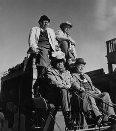Walter Brennan, Edgar Buchanan, Andy Devine and Chill Wills/.Some real old troopers! Would be difficult to count all the movies they made between them. Hollywood Stars, Classic Hollywood, Old Hollywood, Andy Devine, Old Western Movies, The Lone Ranger, Tv Westerns, Thing 1, The Villain