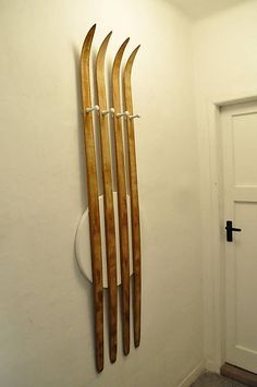 Nut / Coat rack made of junior wooden cross -country skis