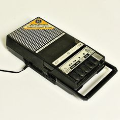Vintage tape recorder - tape player - GE - plug-in - battery operated