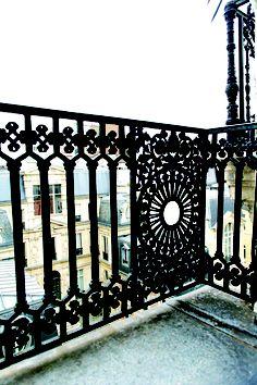 Vue au New Hotel de Paris Hotel Paris, Paris Hotels, Elizabeth Jane, French Vintage, Big Ben, Places Ive Been, France, Travel, Paris Store