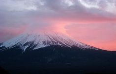 #AAtoAsia Mount Fuji looks very majestic and peaceful in this picture.