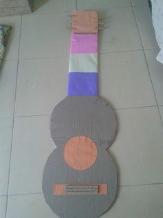 Viola para mural de papelão