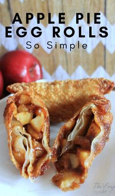 Pie Egg Rolls - The traditional flavor of apple pie filling wrapped up in a crunchy shell. These apple pie egg roll -Apple Pie Egg Rolls - The traditional flavor of apple pie filling wrapped up in a crunchy shell. These apple pie egg roll - Egg Roll Recipes, Apple Dessert Recipes, Köstliche Desserts, Simple Apple Recipes, Easy Fall Desserts, Best Apple Recipes, Apple Ideas, Pumpkin Dessert, Health Desserts