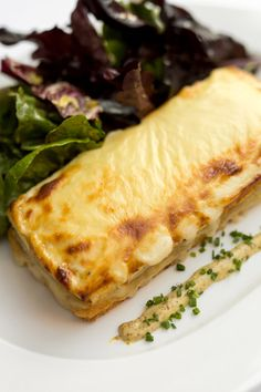 The croque monsieur at the Odeon. (Photo: Daniel Krieger for The New York Times) Restaurant New York, Restaurant Recipes, Sandwich Fillings, Recipe For Success, Delicious Sandwiches, Food Reviews, Rolls Recipe, French Food, Lunch Recipes