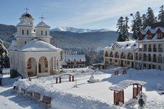 Manastirea Caraiman   Manastirea Caraiman este o manastire ortodoxa aflata in localitatea Busteni, la poalele masivului Caraiman.   Bușteni este un mic oraș de munte în nordul județului Prahova, Muntenia, în centrul României. Este localizat pe Valea Prahovei, la poalele Munților Bucegi, care au altitudinea maximă de 2.505 m. Hidden Places, Place Of Worship, Travel Bugs, Landscape Paintings, Countryside, Taj Mahal, Cathedral, Beautiful Places, Places To Visit