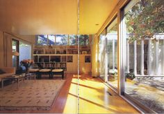 Fuente: A+U, Architectiure and Urbanism. Modern Houses in the Century. designing his own home, losep Lluís Sert sought to replace the suburban single-fa Cambridge, Casa Patio, Interior Architecture, Interior Design, Famous Architects, Modern Masters, Next At Home, House, Building
