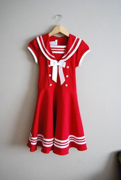 Vintage Sailor Dress I really like this one, I'm planning on doing a gathered skirt though. Sailor Outfits, Sailor Dress, Vintage Dresses, Vintage Outfits, Vintage Fashion, Pretty Outfits, Cute Outfits, Vintage Sailor, Vintage Nautical