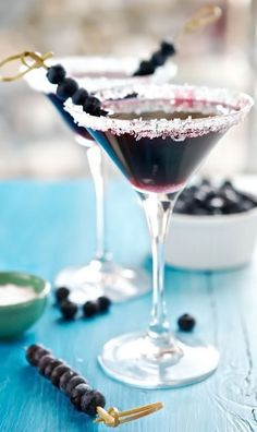 Vodka Martini with Blueberry Juice 25 Fruit Juice Cocktails You'll Actually Like Drinking Cocktail Fruit, Fruity Cocktails, Cocktail Recipes, Lemonade Cocktail, Craft Cocktails, Blueberry Martini, Blueberry Juice, Fruit Juice, Juice 2