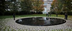 Denkmal für die im Nationalsozialismus ermordeten Sinti und Roma - minnesmerke over nazistenes  forfølgelse av sigøynerene. Innviet 2012.