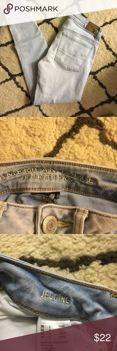 NEW LISTING American Eagle jeans(juniors) Light wash Sz 2 SHORT. They are jeggings and stretchy. 26 inch inseam American Eagle Outfitters Jeans Skinny