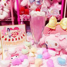#マイメロ  #cuteポーズシリーズ #マスコット #Cerise #チェリーズ #シェイクキャンドル #ピンク #birthday #9月20日 #プレゼント  9月20日は22さいの誕生日でした あっという間すぎてびっくりする  大好きな友達から誕生日プレゼント頂きました欲しかったシェイクキャンドルのピンクにマイメロマスコットに手作りメッセージカードうち好みにかわいく作ってくれたメッセージカード本当嬉しかった(((o()o)))愛を感じますね笑本当にありがとう by kanapmelo