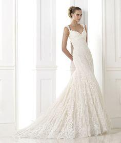 Brautkleider aus der Kollektion Atelier 2015 - Pronovias