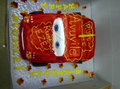 Cars cake at Yeesh! Fun Events, Kids Events, Kids Up, Lunch Box, Cars, Autos, Bento Box, Car, Automobile