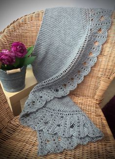 Ravelry: Dominika pattern by Ardilanak
