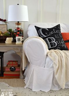How to make a Pottery Barn knock off christmas pillow. Technique can be used for any DIY chalkboard art pillow. #easyholidayideas