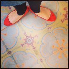 Flats Shoes- H Toronto-Canada Baldosas Antiguas- Factoría Italia- Santiago Chile. Modelo Mandarino, Baldosas Cordova