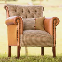 Bespoke Epson English Country Style Buttoned Leather Armchair