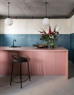 Check out these adorable inspirations for pink kitchen that you can use for your kitchen remodel reference. Contemporary Interior Design, Office Interior Design, Office Interiors, Home Interior, Kitchen Interior, Interior Architecture, Interior Decorating, Decorating Ideas, Design Offices