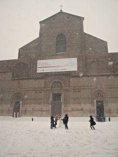 Piazza Maggiore & San Petronio - #Bologna #Snow Storm 2012