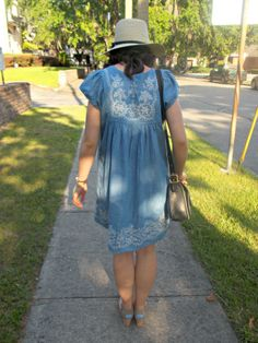 Talking pretty dresses and shoes on the blog today! :: http://styleandspices.co/2014/05/20/blue-dress/