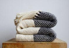 Couverture tricot Chunky, Boho literie laine tissé jeter, couverture confortable, noir et blanc canapé couverture par Texturabledecor