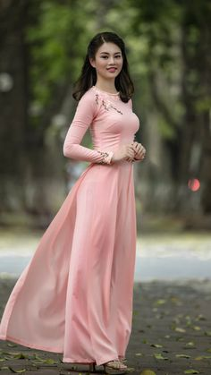 Best 11 All sizes Vietnamese Traditional Dress, Vietnamese Dress, Traditional Dresses, Beautiful Asian Women, Beautiful Indian Actress, Ao Dai, Asian Style Dress, Prom Dresses With Sleeves, Hot Dress