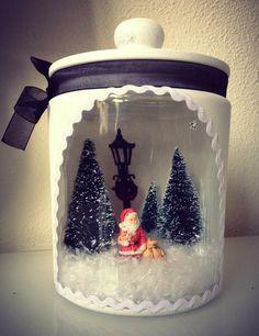 Glazen pot - Gesso - miniatuurtjes - nepsneeuw. Foto via FB.