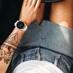 Tattoo Avant Bras, Sister Tattoos, Rose Tattoos, I Tattoo, Sleeve Tattoos, Tattoo Designs, Maya, Roses, Lotus Tat