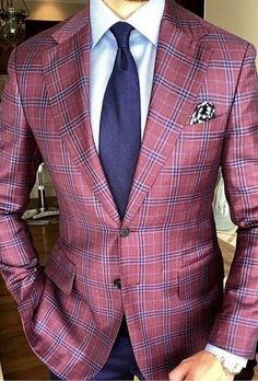 Love this plaid bespoke blazer with a white shirt and navy tie navy pants and patterned silk pocket square Best Suits For Men, Cool Suits, Mens Suits, Mens Fashion Blazer, Suit Fashion, Mens Burgundy Blazer, Burgundy Shoes, Burgundy Dress, Designer Suits For Men
