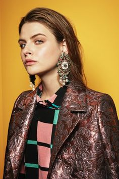 See the complete Etro Pre-Fall 2017 collection.