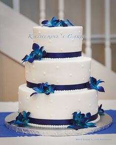dr who wedding cake | Wedding 009 — Wedding Three Tier with Flower and Ribbon Decorations ...