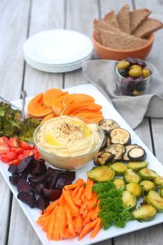 Rainbow VEGGIE PLATTERS WITH ROASTED GARLIC HUMMUS - the perfect dish for a potluck, vegan, dairy free, healthy, sugar free, gluten free, high protein, low cal, easy. With chickpeas and tahini.