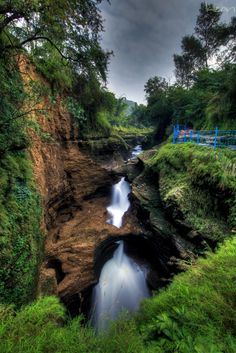 Historical places of Nepal.(Happy Nepal) : Davis Waterfalls one of the historical place Wonderful Places, Beautiful Places, Mount Everest, Photos Voyages, Day Tours, Belle Photo, Wonders Of The World, Places To See, Travel Inspiration